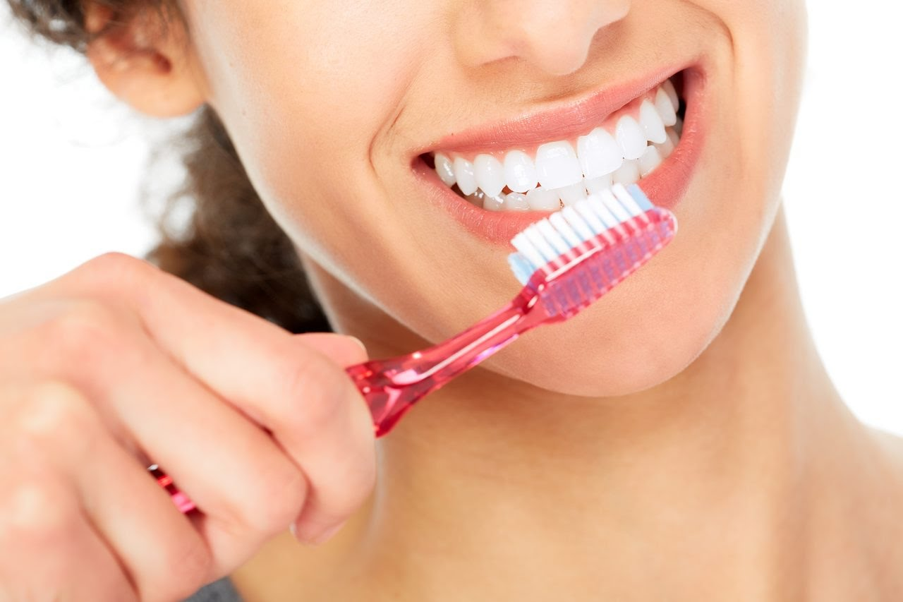 How can I make my teeth white and healthy